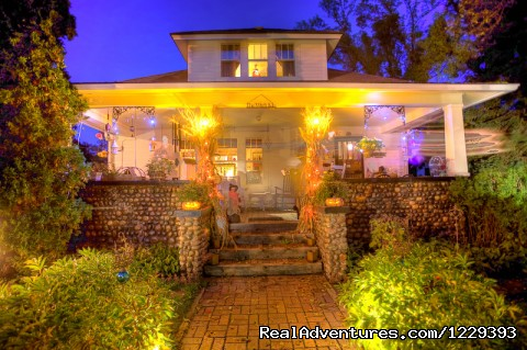 Happy Halloween    Boo - Romantic Weekend Getaways At The Cobblestone B&B