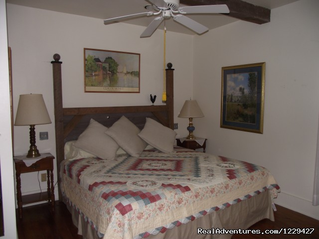 Master Bedroom - Rural Retreat in Historic Village