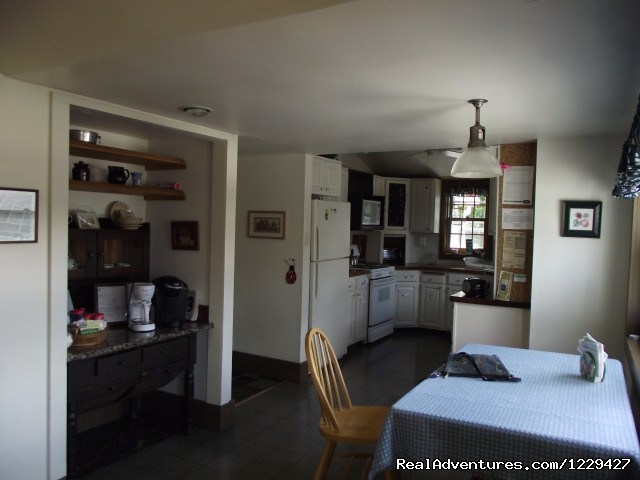 The Kitchen - Rural Retreat in Historic Village