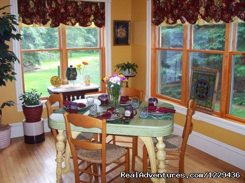 Miller's Daughter, sunroom - Miller's Daughter B&B