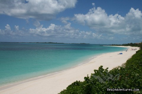 Beach Across the Street - Hut Pointe Inn-Eco-Friendly Suites- Bahamas