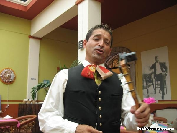 Singing Mexican songs at the restaurant in Tequila | Image #12/13 | Horseback Riding Mexican Tours