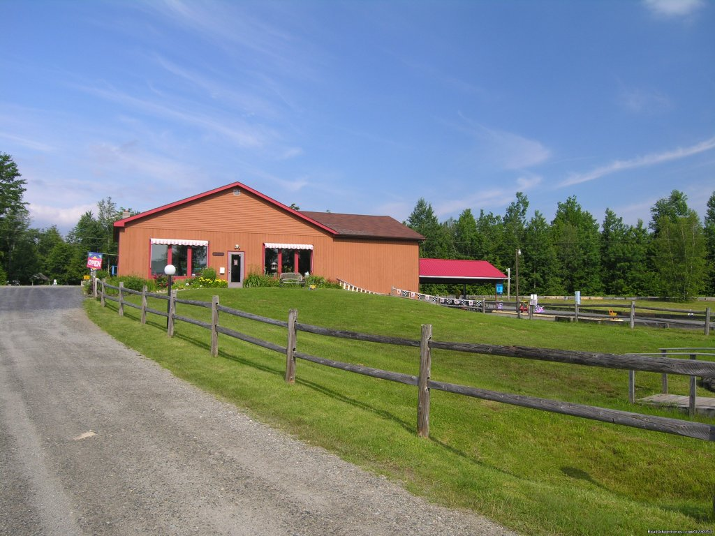 Image #1/6 | Hyde Park, Vermont  | Campgrounds & RV Parks | Common Acres Campground and Recreational Park