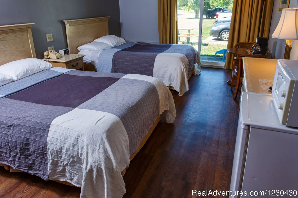 Image #1/11 | Sturgeon Bay, Wisconsin  | Hotels & Resorts | Beach Harbor Resort