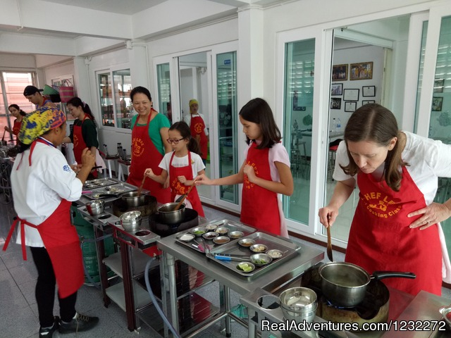 Chef LeeZ Thai Cooking Class Bangkok, Children Cooking - Thai Cooking Class in Bangkok | Chef LeeZ