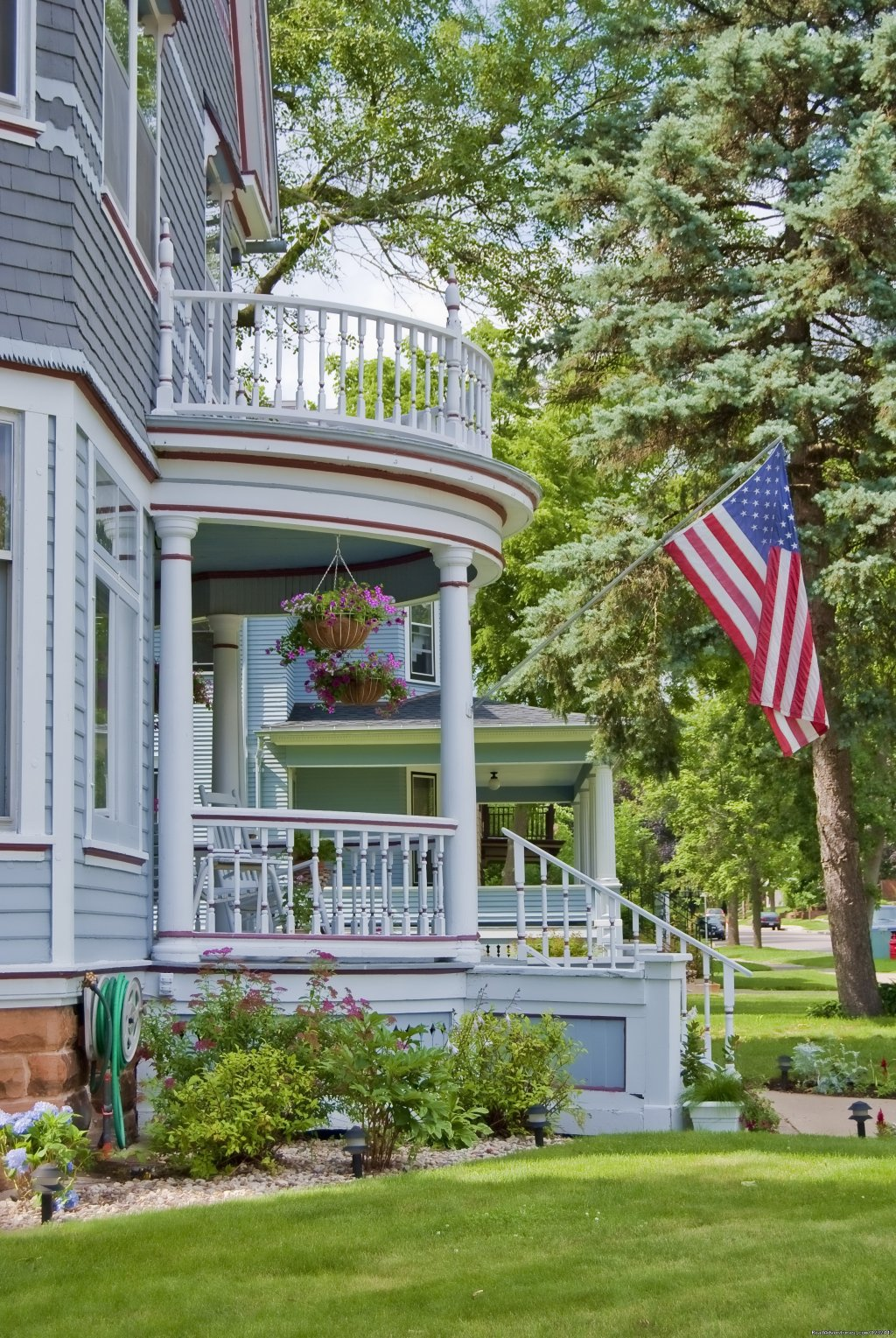 Parkview B&B, Front View | Image #1/6 | Reedsburg, Wisconsin  | Bed & Breakfasts | Parkview B&B