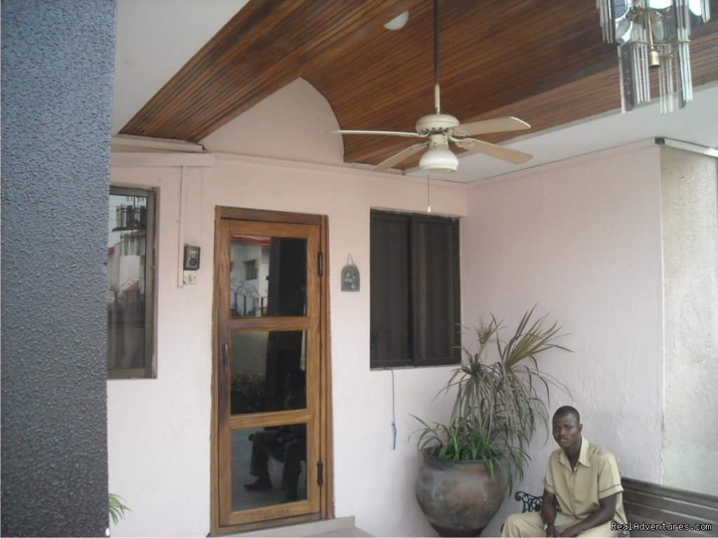 Entrance | Image #4/6 | Light House Hotel, Lagos, Nigeria