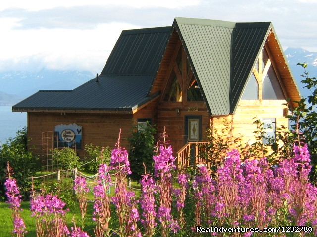Alaska Adventure Cabins: Dovetail Log Cabin
