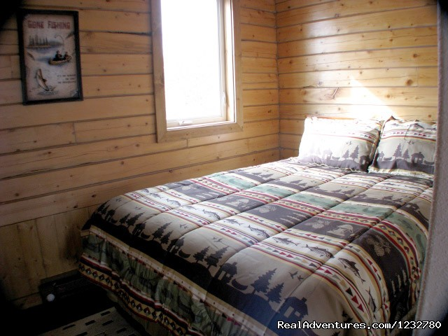 Glacier View Bedroom - Alaska Adventure Cabins