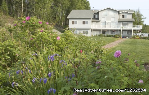 Front View of McKinley/Summer - Elegant Lakefront Vacation Rental