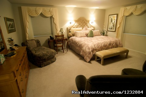 Master Suite/McKinley Home - Elegant Lakefront Vacation Rental