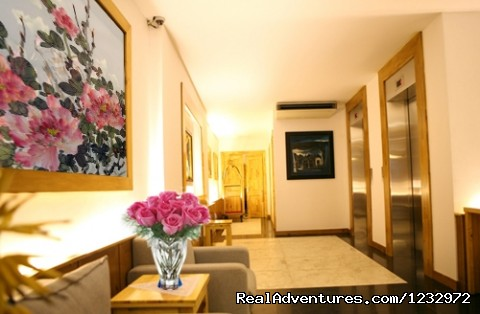 - Golden Wings II Hotel- pretty city hotel in Hanoi