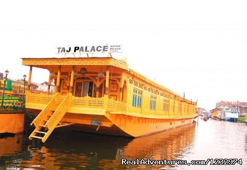 Kashmir Hotels:
