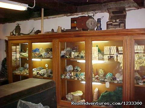 - Toprock Crystal, Mineral and Fossil Museum Shop