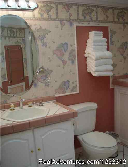 HART D lodge bathroom - Hart D Ranch:Rooms /RV Park /PO