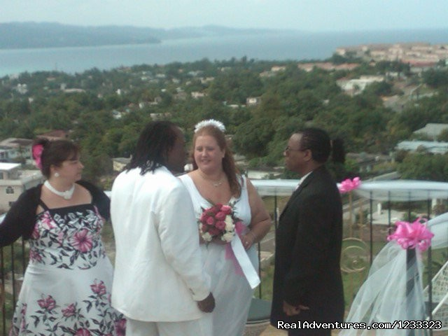 Guest getting married on the roof - Villa Casa De  Fe The Real Get Away