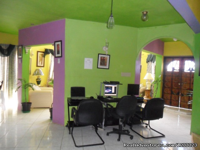 Internet Cafe with WiFi (#3 of 24) - Villa Casa De  Fe The Real Get Away