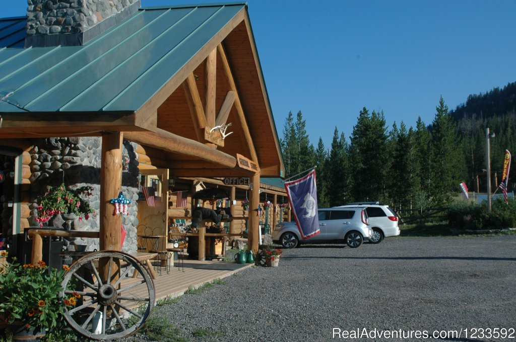 Lava Mountain Lodge General Store curbside view. | Image #3/13 | Your Yellowstone Park @ Lava Mountain Lodge