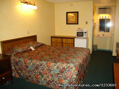 Room 135, The Oriental Room - The Holiday Lodge - A Happy Little Motel