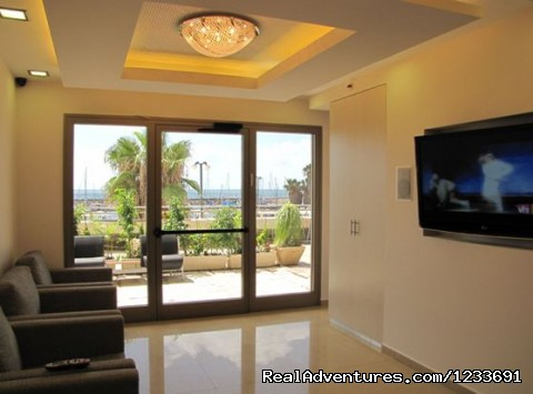 lobby - Royal T Suites