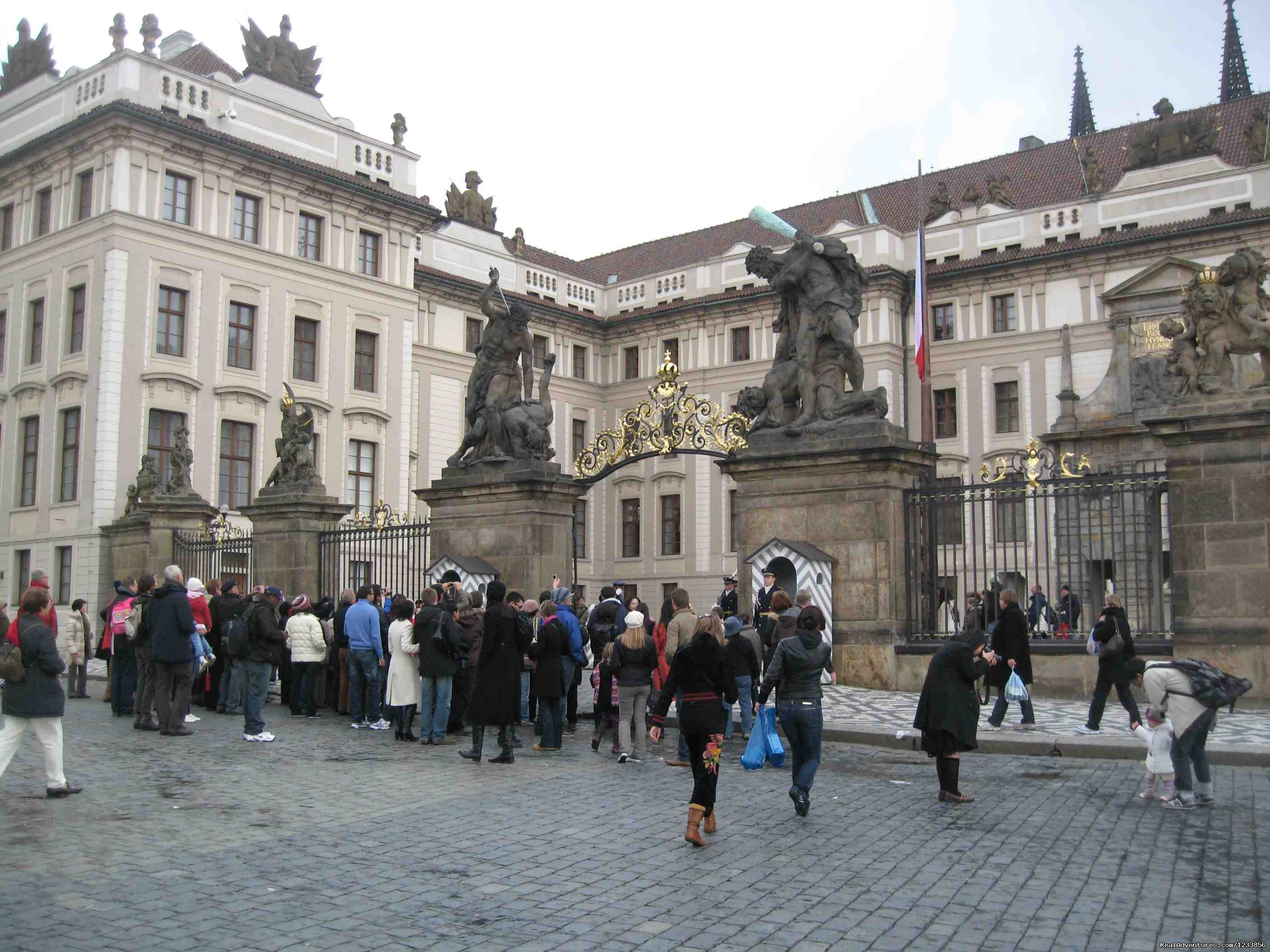 Changing of the guard at Prague Castle | Image #20/24 | artbreak(TM) Arts Immersion Vacations