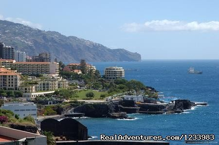 Rent of a seaside lovely holiday flat in Madeira Funchal sao Martinho, Portugal Vacation Rentals
