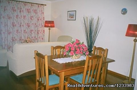 Dining room | Image #5/6 | Rent of a seaside lovely holiday flat in Madeira