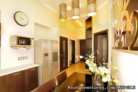 - VIP 3room/2 bedroom apartment in the heart of Kiev