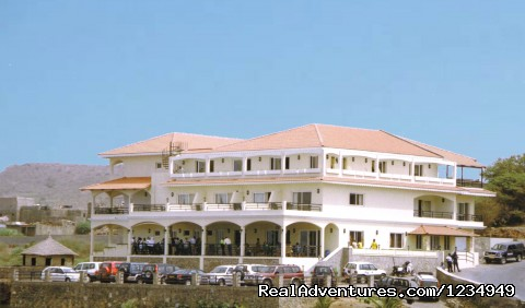 The hotel - Palm Beach Resort ..an accessible tropical holiday