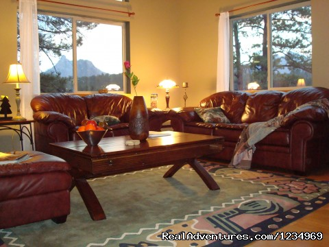 Beautiful Mountain Views from Living Room Windows - Pikes Peak Retreat In Pikes National Forest