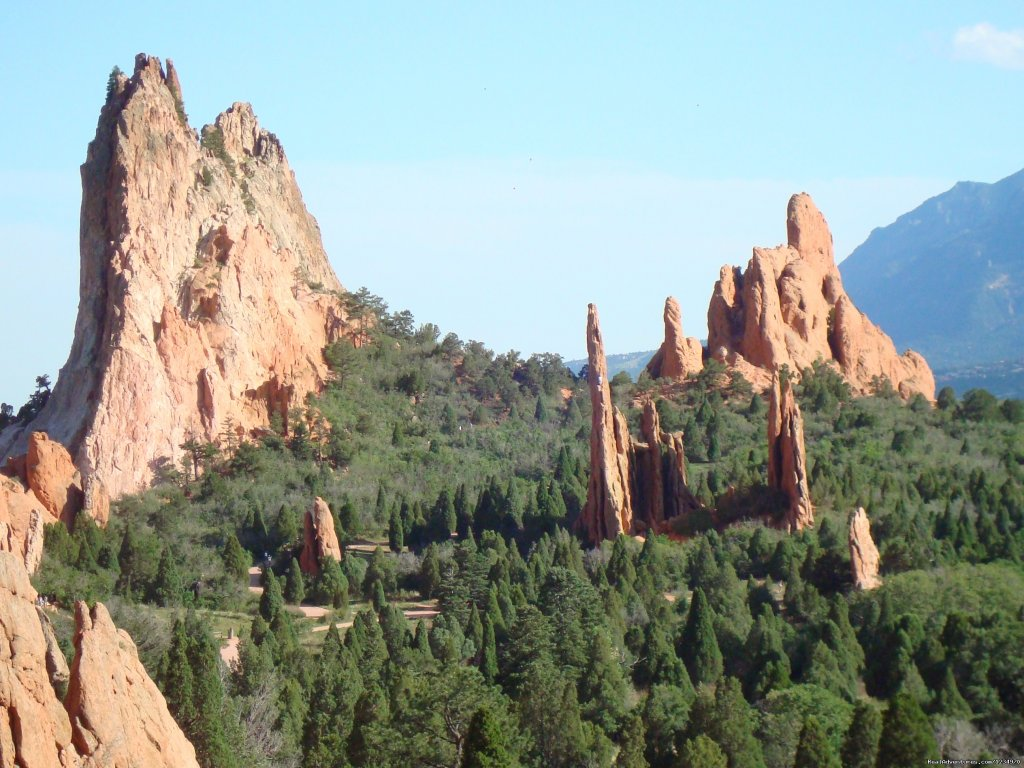 Garden of the Gods is less than 2 miles away | Image #18/26 | Pikes Peak Cottage By Garden Of The Gods: Mnt View