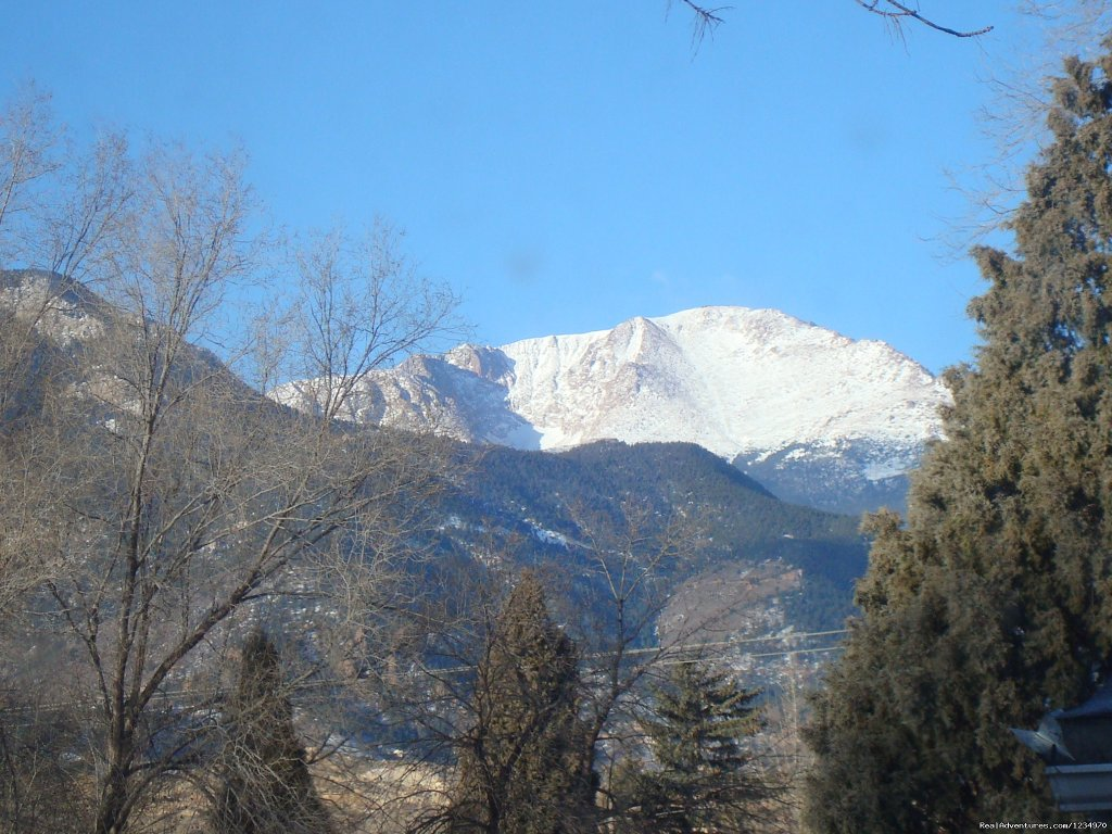 Beautiful view of Pikes Peak and the mountains | Image #3/26 | Pikes Peak Cottage By Garden Of The Gods: Mnt View