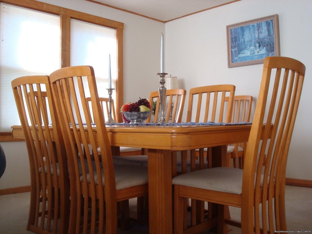 Dining Room | Image #7/26 | Pikes Peak Cottage By Garden Of The Gods: Mnt View