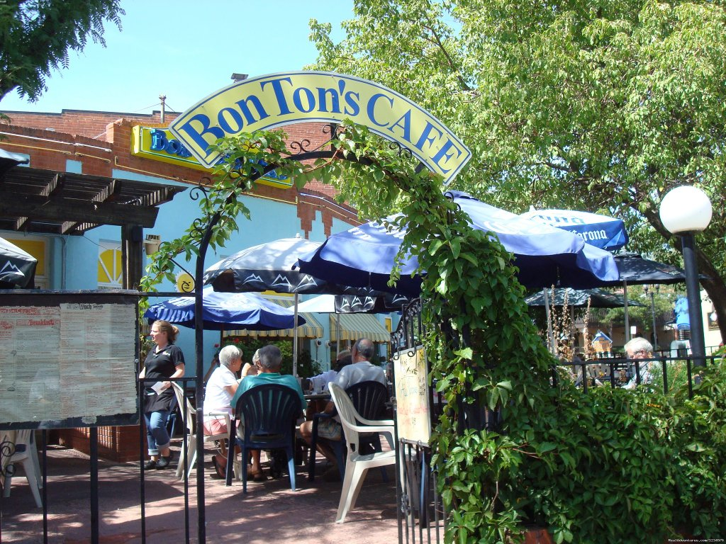Bon Ton's Cafe in Old Colorado City | Image #20/26 | Pikes Peak Cottage By Garden Of The Gods: Mnt View