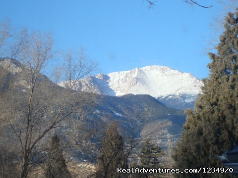 Beautiful view of Pikes Peak and the mountains - Pikes Peak Cottage By Garden Of The Gods: Mnt View