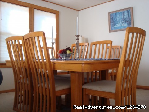 Dining Room - Pikes Peak Cottage By Garden Of The Gods: Mnt View