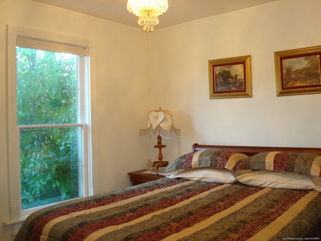 Beautiful Victoriana Bedroom | Image #5/25 | Victorian Retreat In Historic Town:  Mtn View