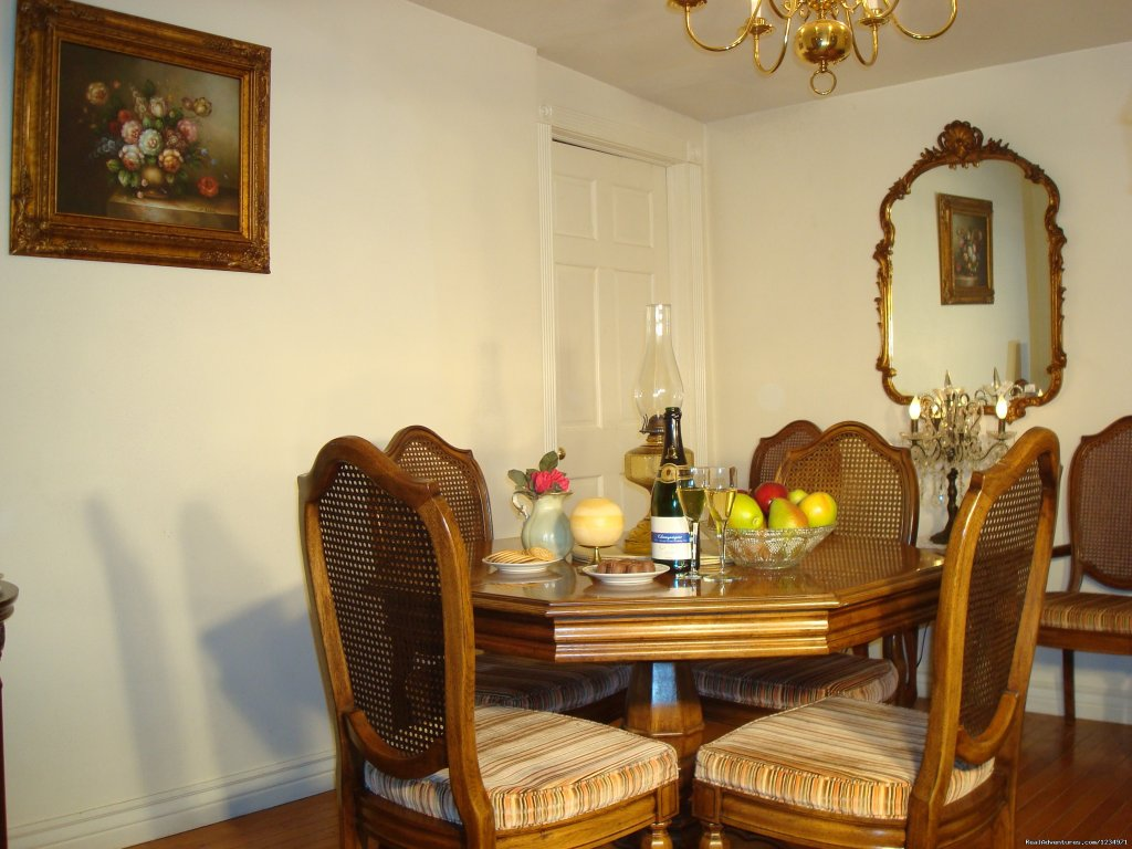 Elegant Dining Room | Image #3/25 | Victorian Retreat In Historic Town:  Mtn View