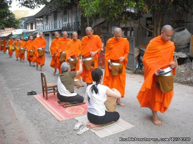 Luang Prabang city tour Visit Royal Palace, Wat Sene, Wat Xieng thong, Phousi hill for Sun Set