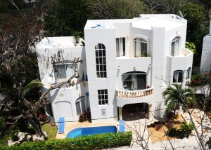 Large 5 bedroom Family Villa - Footsteps to Beach Playa Del carmen, Mexico Vacation Rentals