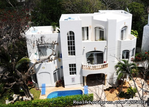 Large 5 bedroom Family Villa - Footsteps to Beach Vacation Rentals Playa Del carmen, Mexico