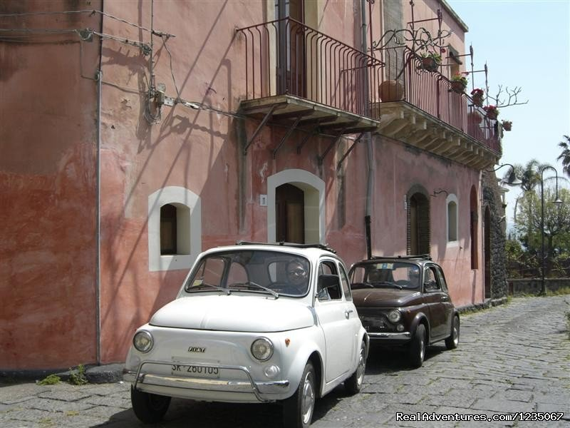 500 Vintage Tour is a self drive classic car tours specialized company, for independent travelers or escorted groups around Sicily.