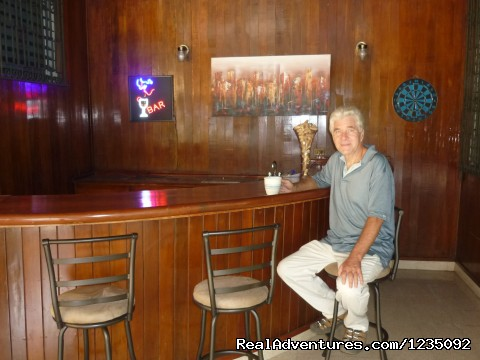 Having coffee at the wet bar - Casa Las Cumbres Panama Bed and Breakfast