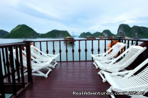 Hanoi Impressive Hotel: The best Hotel in Hanoi.: Halong Bay boat
