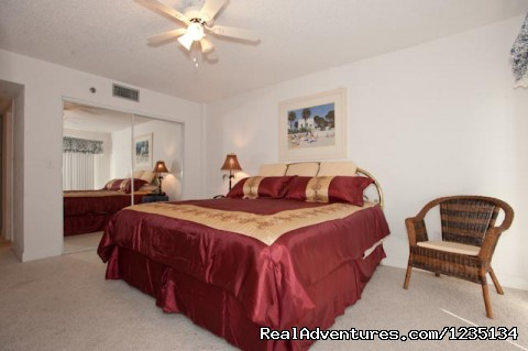 Large Master Bedroom - Dream Vacation Ocean Side Condo, Daytona Beach