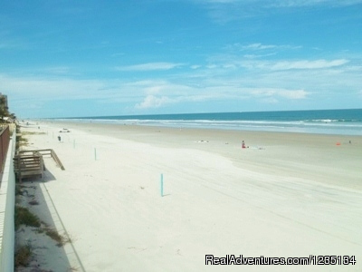 - Dream Vacation Ocean Side Condo, Daytona Beach