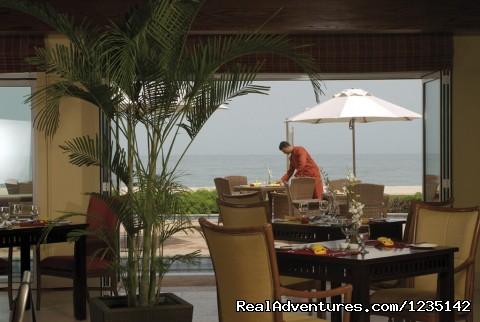 MÖvenpick Al Bidaa offers the best rates in Kuwai: Breeze Restaurant