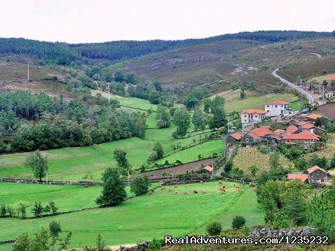 Image #22 of 25 - PortugalBike: Granitic Villages on the Mountains