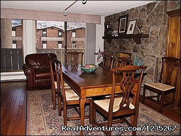- Vail CO Luxurious furnished 4 bedrooms and 4 bath
