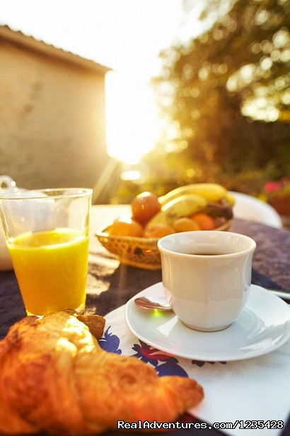 Your breakfast on the terrace ?